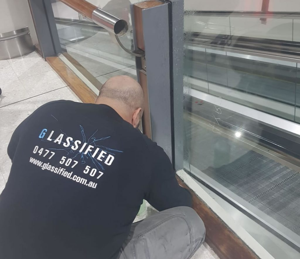 commercial-glass-repairs-sydney-installation-2