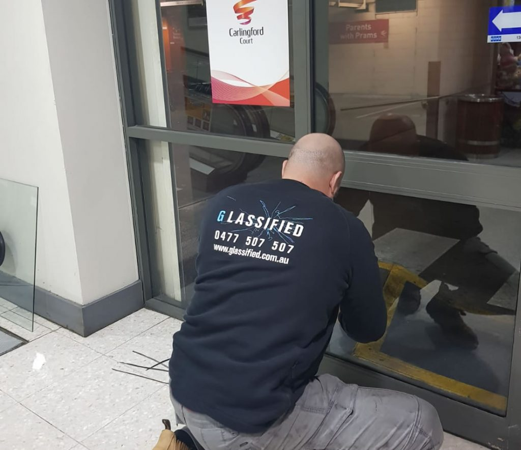 commercial-glass-repairs-sydney-installation-3